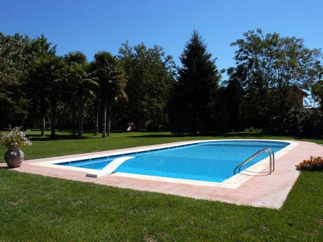 Costruzione di piscine costruzione piscine - Costo manutenzione piscina ...