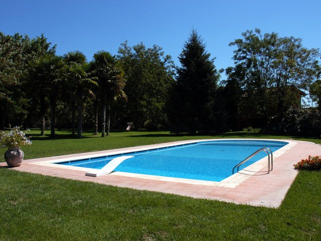Costruzione di piscine costruzione piscine - Immagini di piscina ...