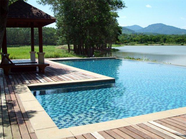 prezzi piscine a sfioro costruzione piscine