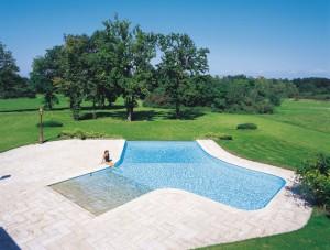 Prezzi piscine interrate costruzione piscine - Costo manutenzione piscina ...