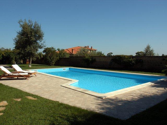 Vendita piscine fuori terra costruzione piscine - Piscina fuori terra ...